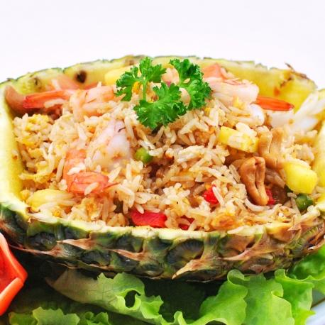 Crevettes à l'ananas frais et basilic